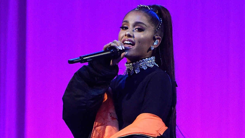 Ariana Grande durante concierto en Nueva York