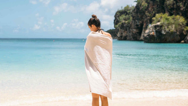 Nuevo traje de baño peludo desata muchas pasiones