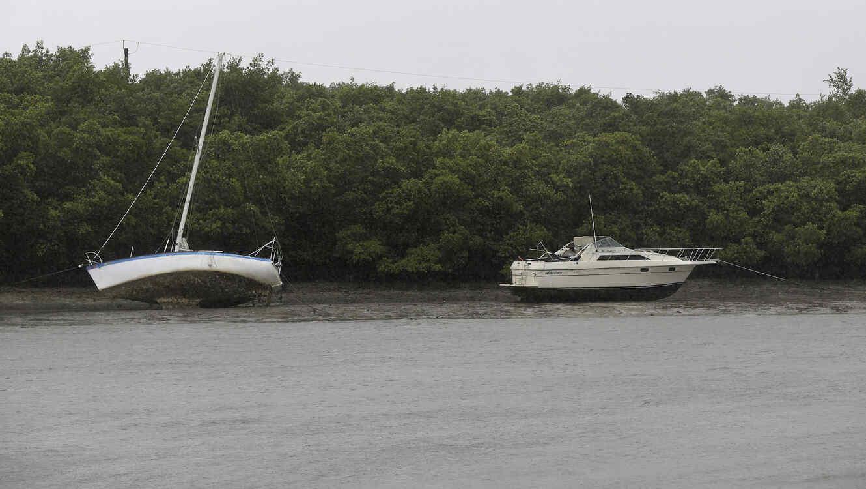 Irma baja a categoría 3 mientras azota la costa norte de Cuba