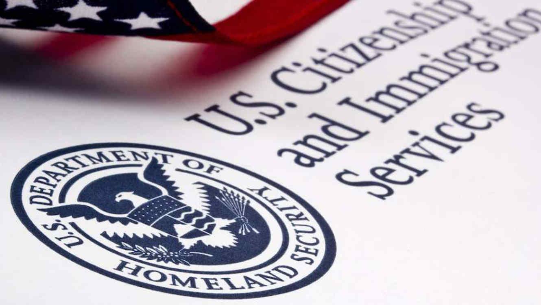Logo de El Servicio de Ciudadanía e Inmigración de Estados Unidos (USCIS, por sus siglas en inglés)