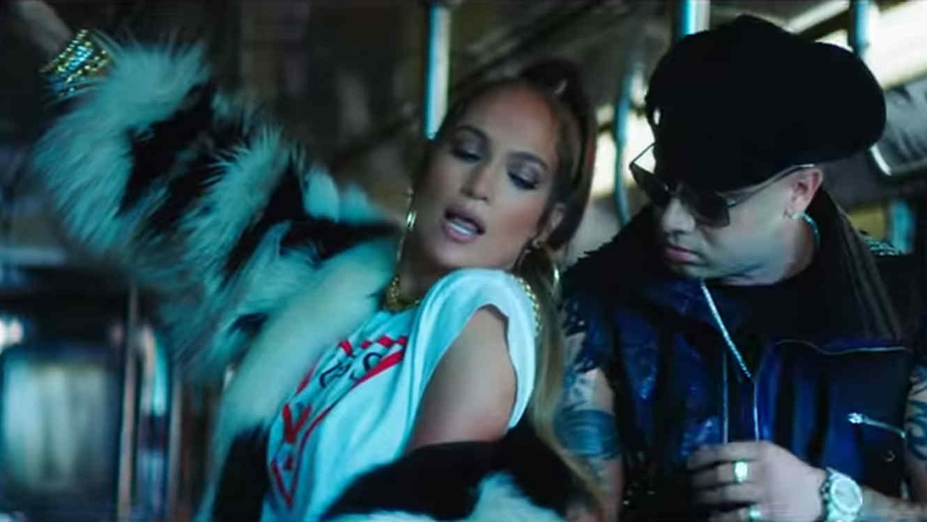 "Jennifer Lopez con Wisin en el video de ""Amor, amor, amor"""