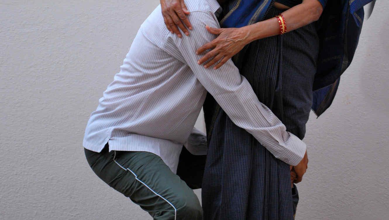 Pareja de abuelos sorprende bailando reagettón