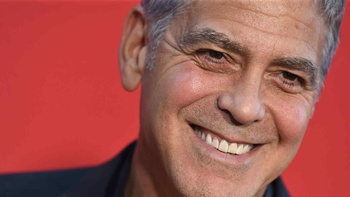 http://www.telemundo.com/sites/nbcutelemundo/files/styles/article_cover_image/public/images/article/cover/2017/12/13/george-clooney-octubre-2017.jpg