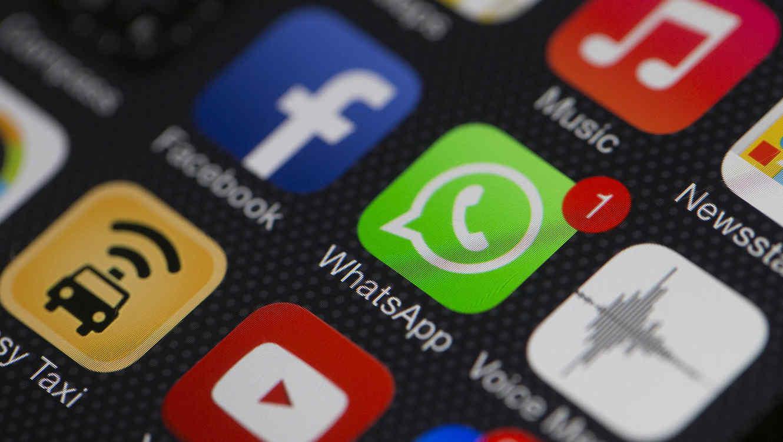 Francia pide a WhatsApp que deje de compartir datos con Facebook