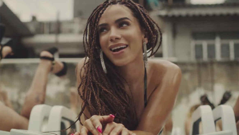 Anitta en el video Vai Malandra