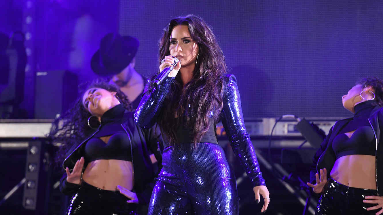Demi Lovato Fontainebleau Miami Beach Rings in 2018 Poolside with Demi Lovato and KYGO
