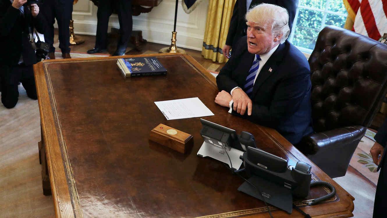 Trump, en el Despacho Oval el 24 de marzo de 2017.