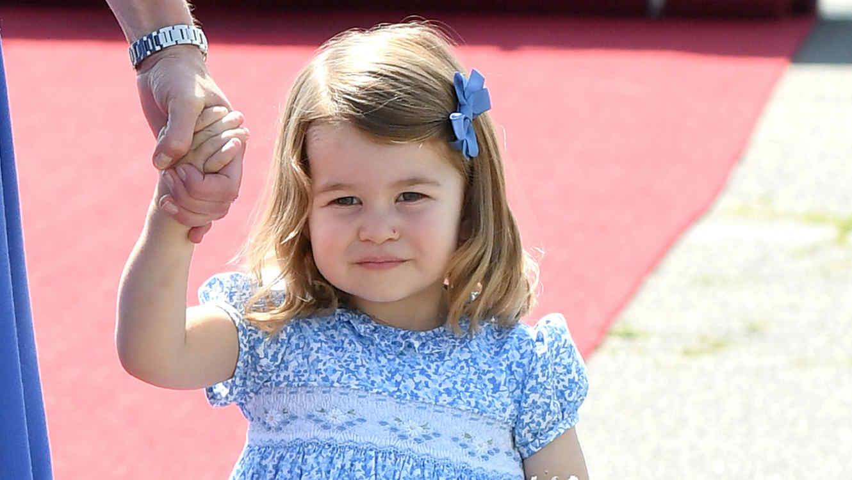 ¡Emocionó! La princesa Charlotte tuvo su primer día de clases [FOTOS]