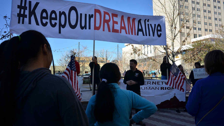 Trump va a Corte contra reactivación del DACA