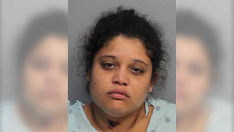 Madre apuñala a su niño de 2 años y luego intenta suicidarse