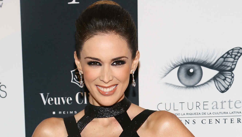 Jacky Bracamontes en Icons of Style Gala 2013