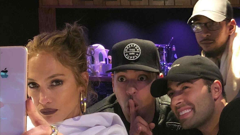 Jennifer Lopez y JenCarlos Canela en estudio
