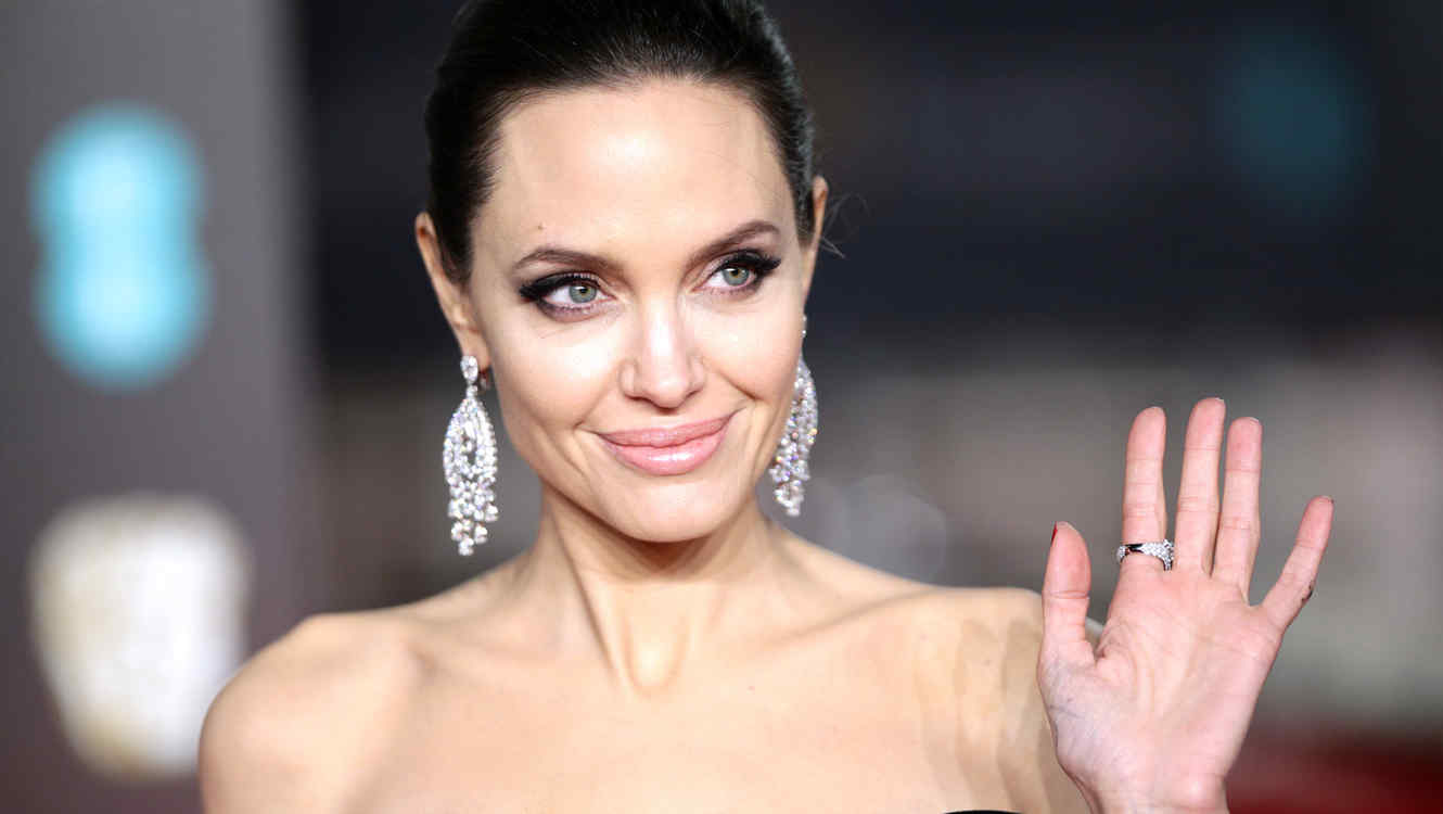 http://www.telemundo.com/sites/nbcutelemundo/files/styles/article_cover_image/public/images/article/cover/2018/03/22/angelina-jolie_0.jpg?itok=zD4Fz2WX