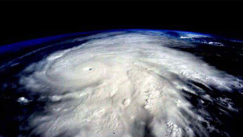 Pronostican agitada temporada de huracanes