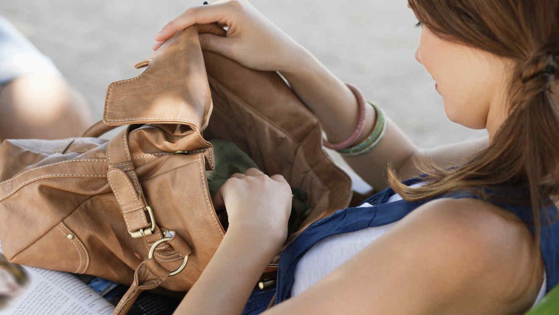 Cosas para el bolso de una mujer