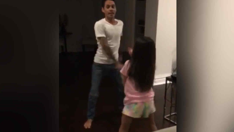 Marc Anthony y su hija Emme protagonizan divertido baile