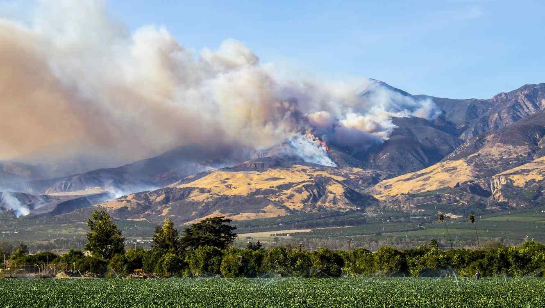 Incendio y humo en California