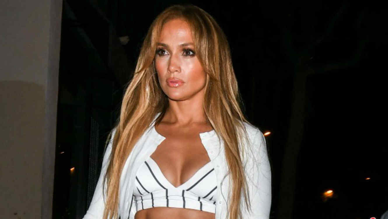 Jennifer Lopez con escote