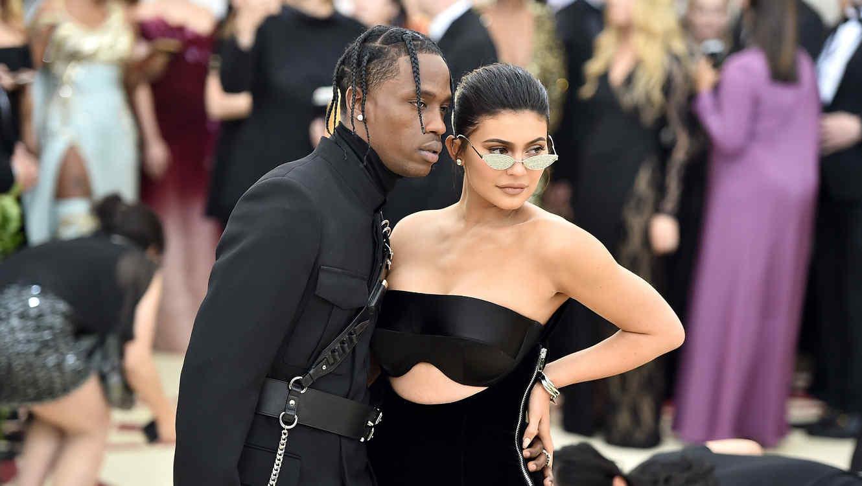 Kylie Jenner con Travis Scott