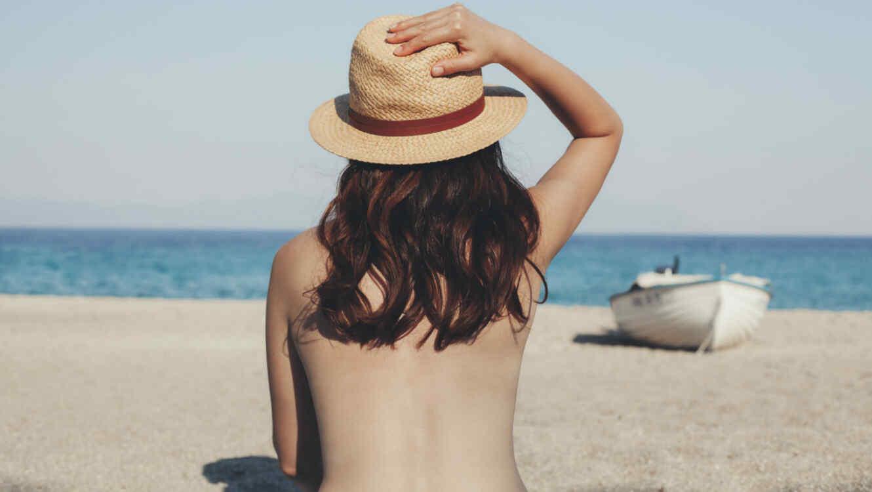 Mujer espalda descubierta