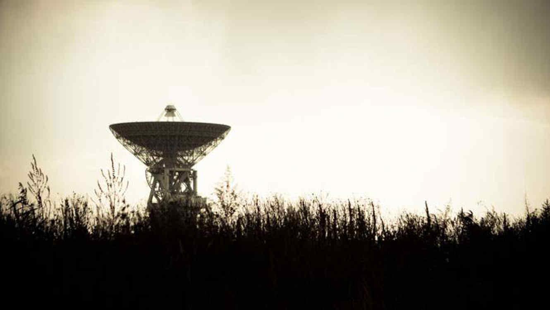Detectan una extraña señal del espacio exterior — Misterio