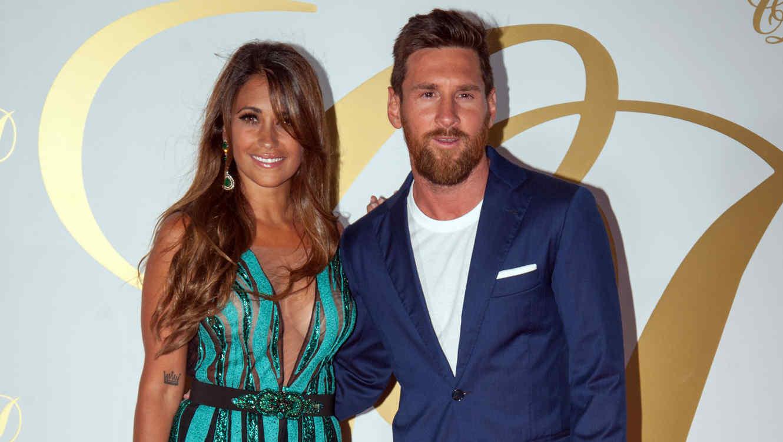 Messi con su esposa