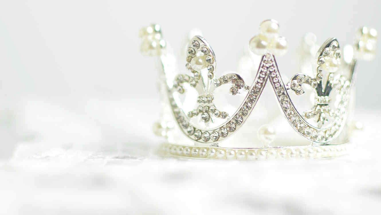 Corona de reina de belleza