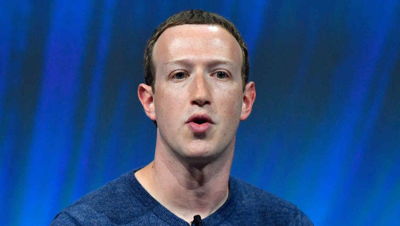 Hacker borrará página de Mark Zuckerberg en Facebook y hará streaming