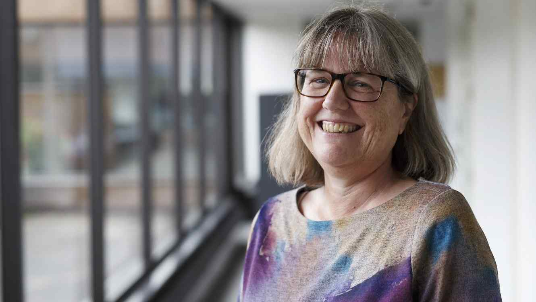 Física Donna Strickland sonriendo