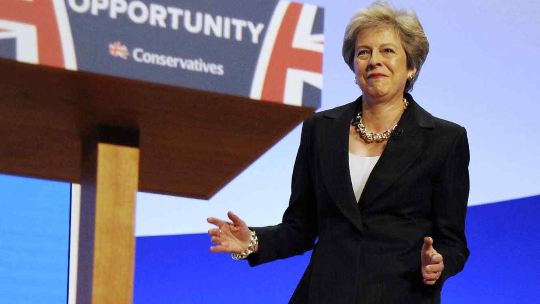 Theresa May mostró sus mejores pasos de baile.