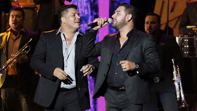 Banda MS de Sergio Lizárraga en Premios Tu Mundo 2015