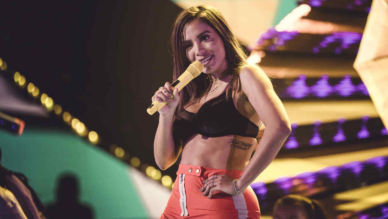 Anitta en los ensayos de los Latin AMAs 2018