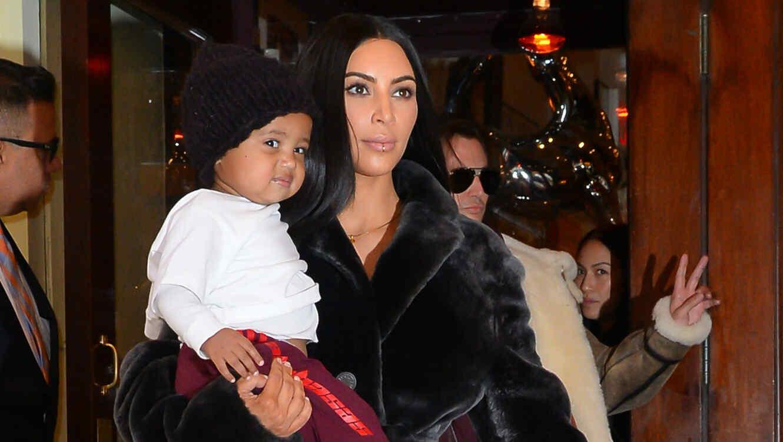 Kim Kardashian y su hijo Saint