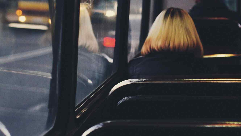 La niña viajaba en el bus escolar cuando ocurrió el incidente