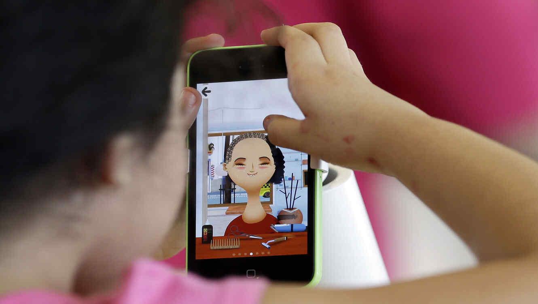 Un estudio reciente ha revelado que el 70% de los niños en China tienen teléfonos inteligentes.