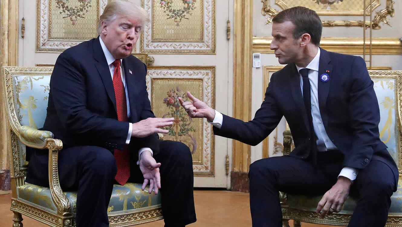 Los presidentes de EEUU, Donald Trump, y Francia, Emmanuel Macron, discuten en reunión conjunta en París