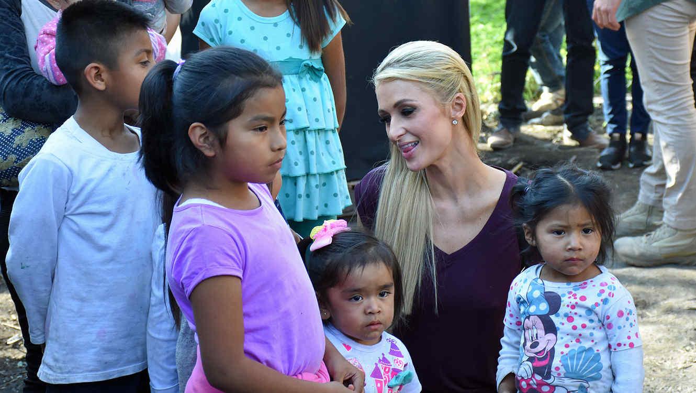 Paris Hilton Xochimilco