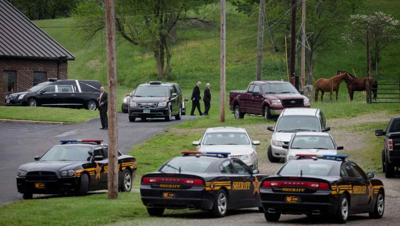 Imagen de los funerales de seis de las ocho víctimas en mayo de 2016.
