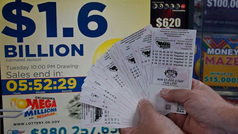 El ganador tiene 180 días  después el sorteo para presentarse así que su tiempo no se acaba hasta el 21 de abril.