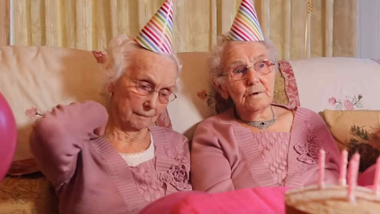 gemelas Phyllis Jones e Irene Crump