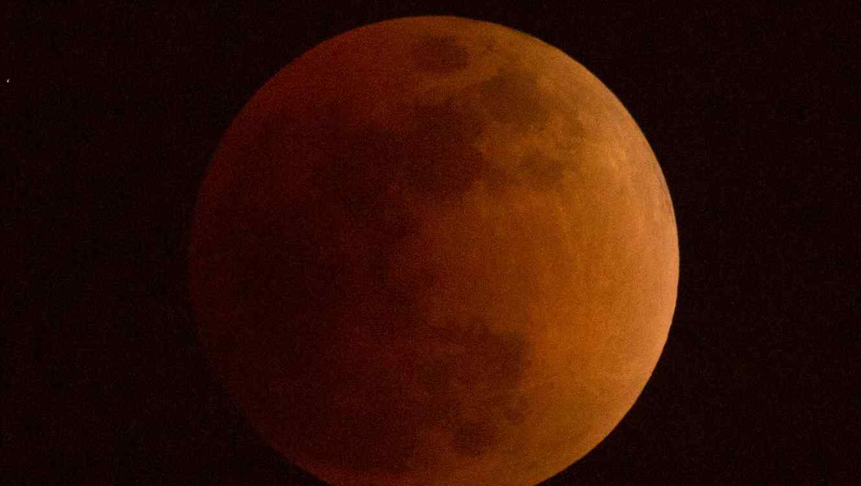 La próxima luna de sangre ocurrirá a principios de 2019.