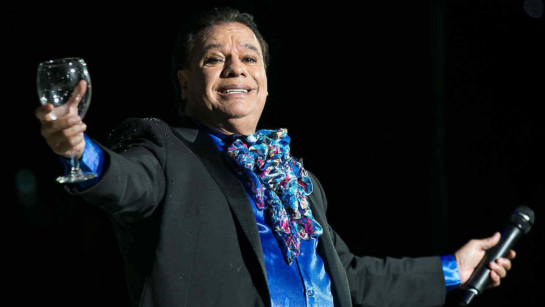 Pepe Aguilar no temió interpretar a Juan Gabriel
