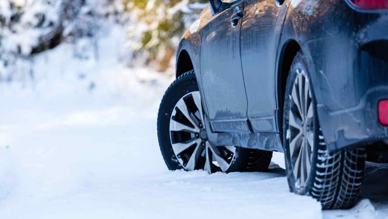 Carro en la nieve