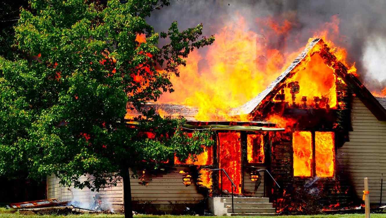 El fatal incendio ocurrió el domingo