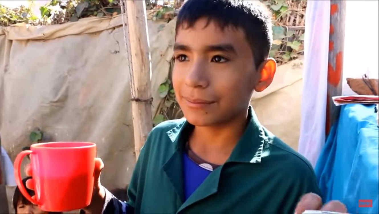 Niño de 12 años funda escuela en Argentina