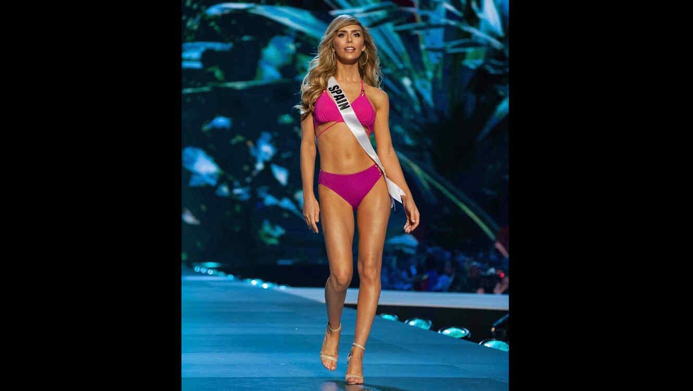 d9e724687db Ángela Ponce se muestra en radiante bikini y desata la ovación en ...