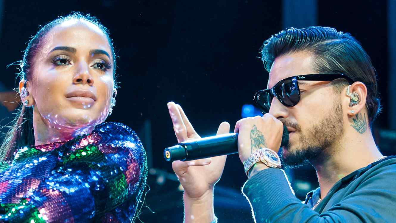 Anitta and Maluma performs live on stage.