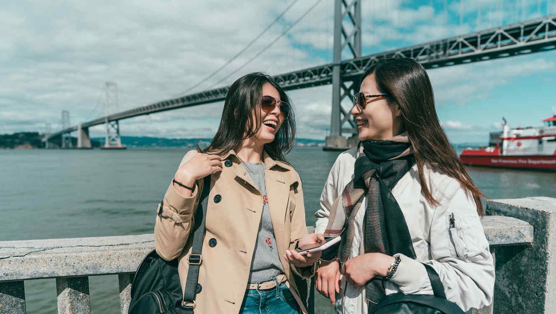Mujeres riendo en San Francisco