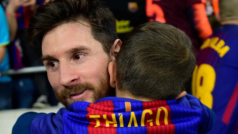 Lionel y Thiago Messi