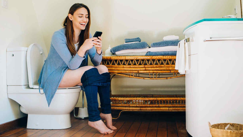 Uso del smartphone en el WC